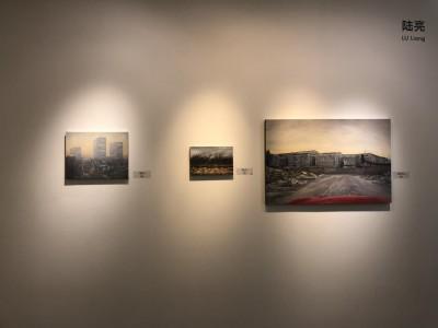 誠品画廊のブース-3 アーティスト陸亮の作品。